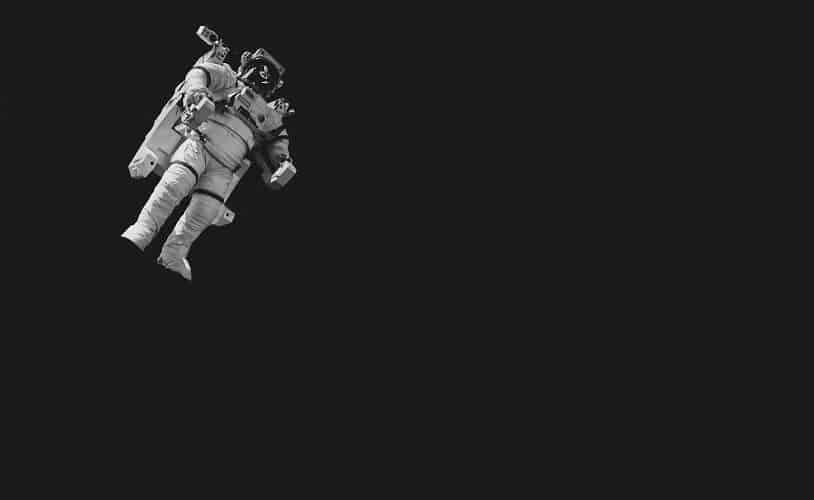 Sci-fi thriller suspense in space